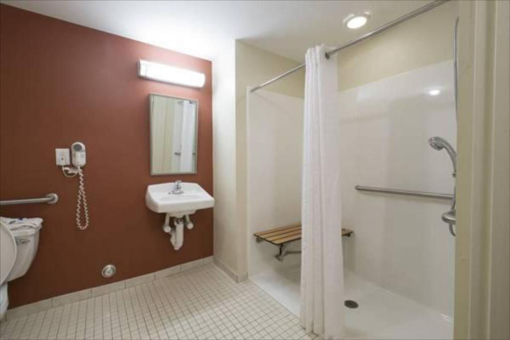 Bilik Mandi Red Roof Inn & Suites Philadelphia - Bellmawr