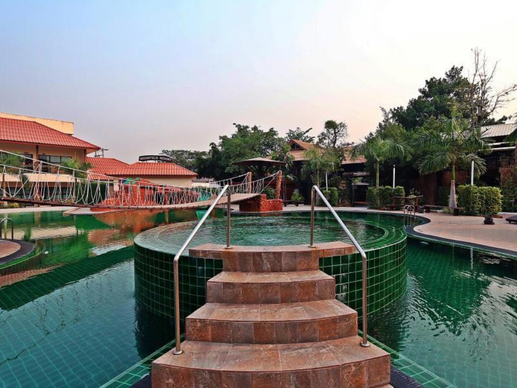 Hotellet indefra Woodfield Resort Chiang Mai