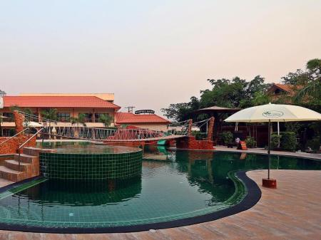 Swimming pool Woodfield Resort Chiang Mai