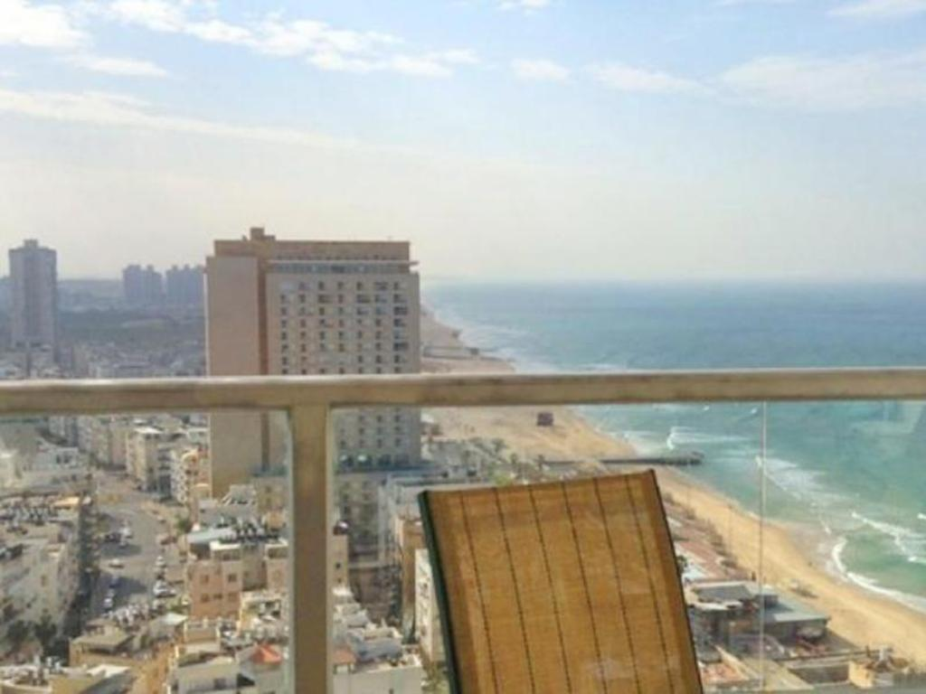 Balcony/terrace Arendaizrail Apartment - Yoseftal Street Bat-Yam