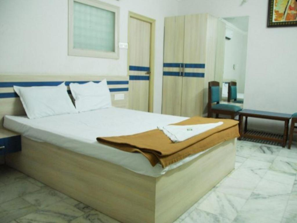 Luxury Double Room Hotel Nakshatra Inn