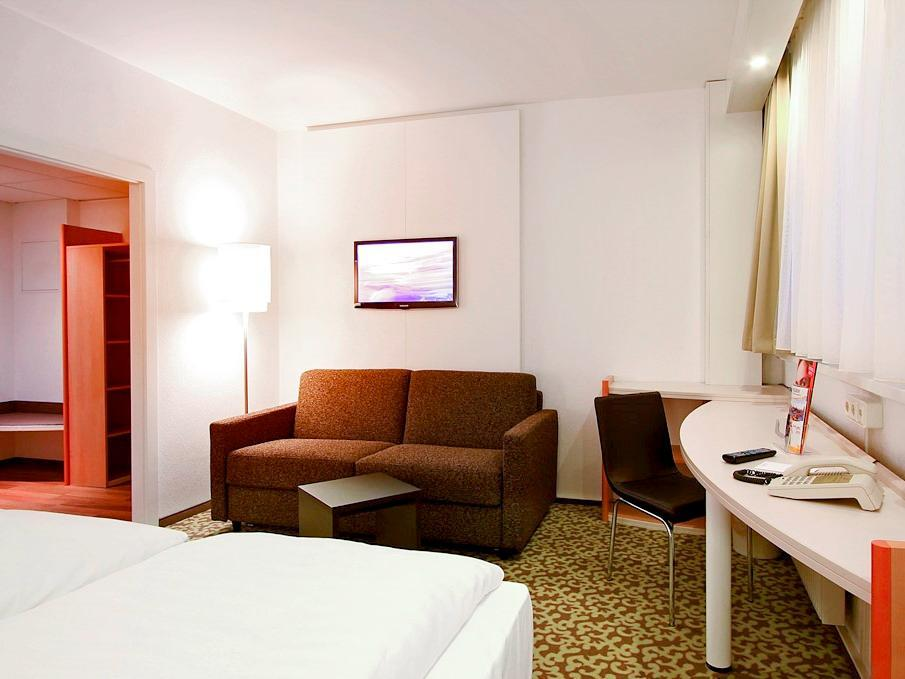Standard Suite with 1 double bed and 2 sofas