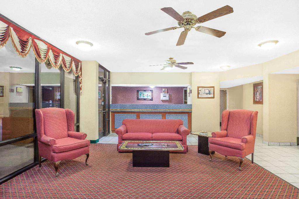 Lobby Super 8 By Wyndham Bulls Gap Greeneville Area