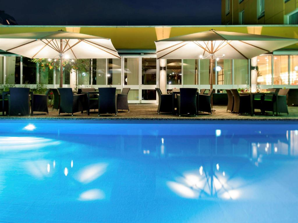 Swimming pool Mercure Hotel Berlin City West