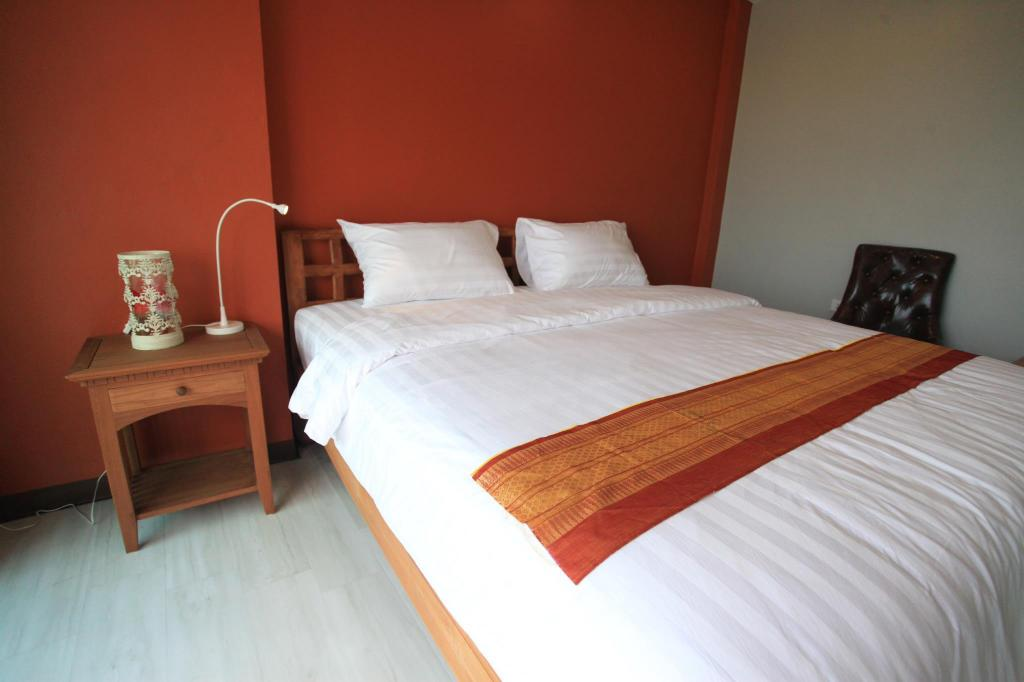 Standard Double Bed Room Phaphoom Boutique Residence