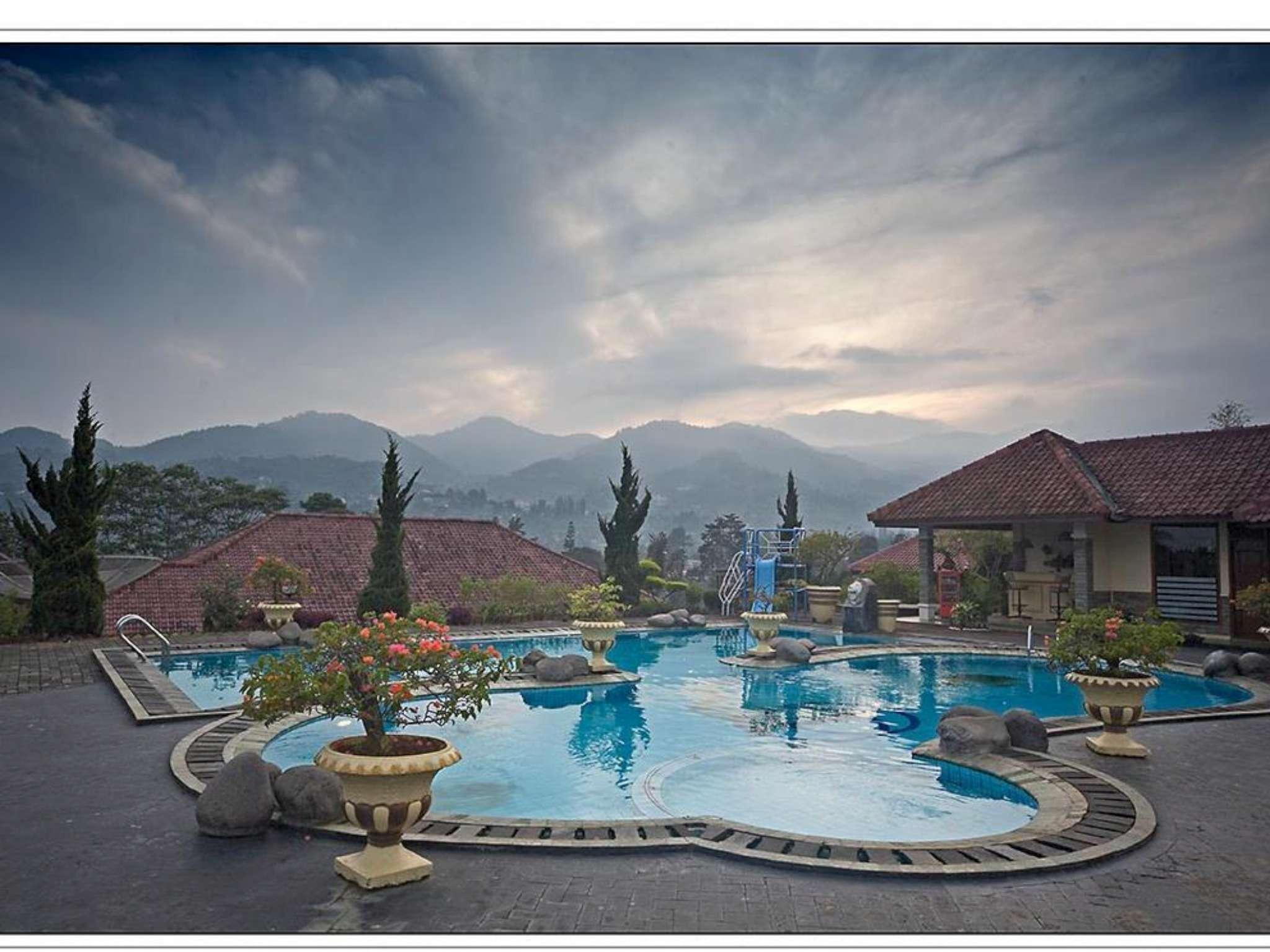 citra cikopo hotel in puncak room deals photos reviews rh agoda com