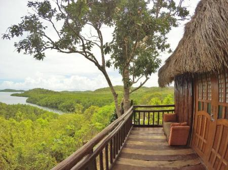 Treehouse with Ocean View Sanctuaria Treehouses Busuanga
