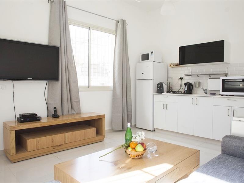 Best Price On Kerem Hateimanim Apartments In Tel Aviv Reviews  # Meuble Tv Sonorise
