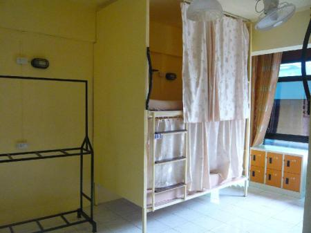1 Person in 8-Bed Dormitory with Air Conditioning - Mixed 168 Chiang Mai Guesthouse