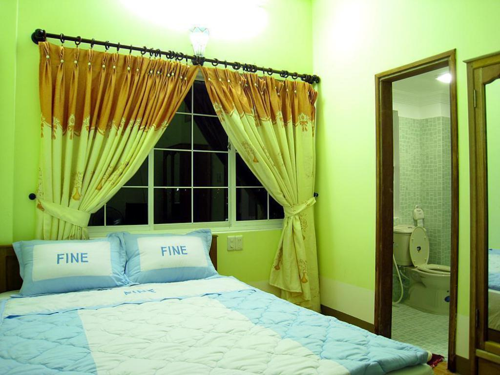 Double Room - Interior view Sunny Fine Guesthouse