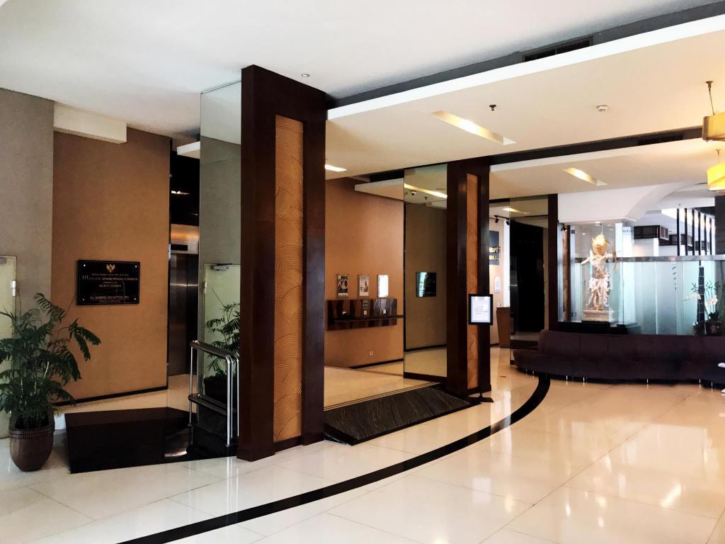 Mercure Surabaya Hotel in Indonesia - Room Deals, Photos
