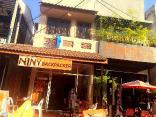 Niny Backpackers