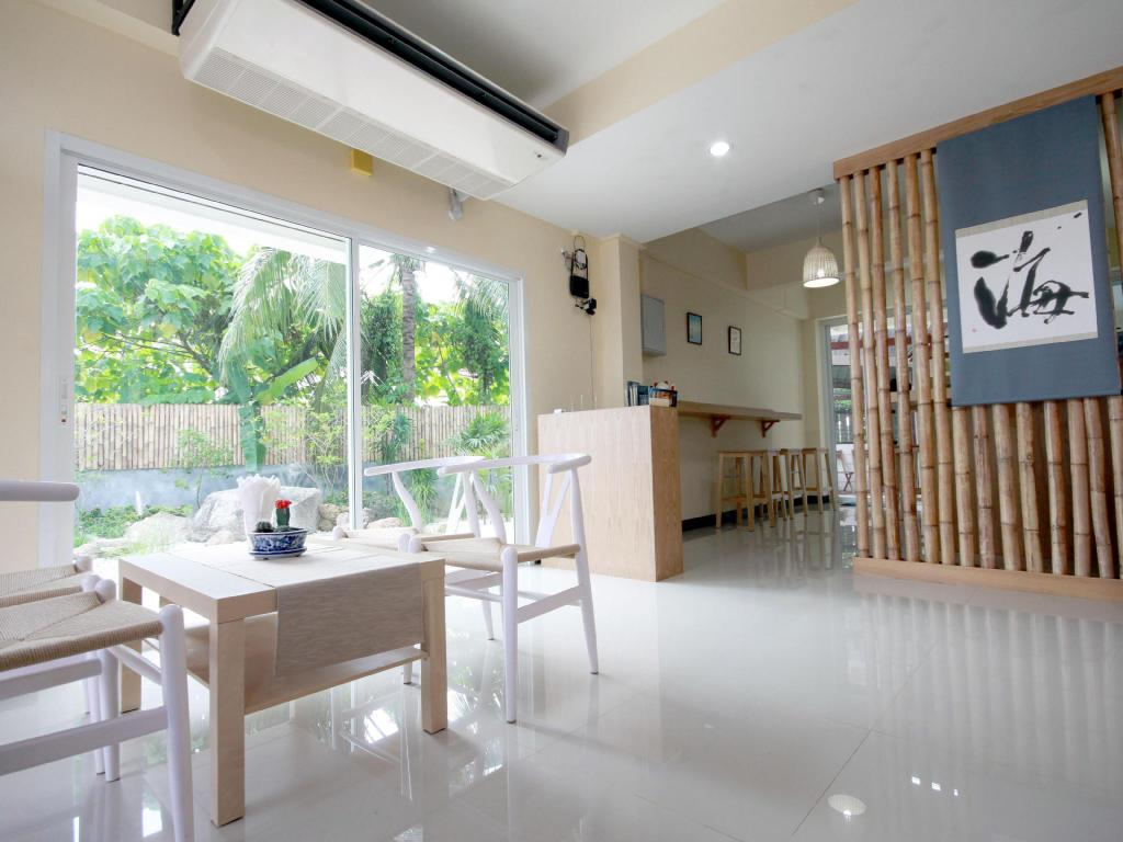 Café AOI Phuket Boutique Dive Inn