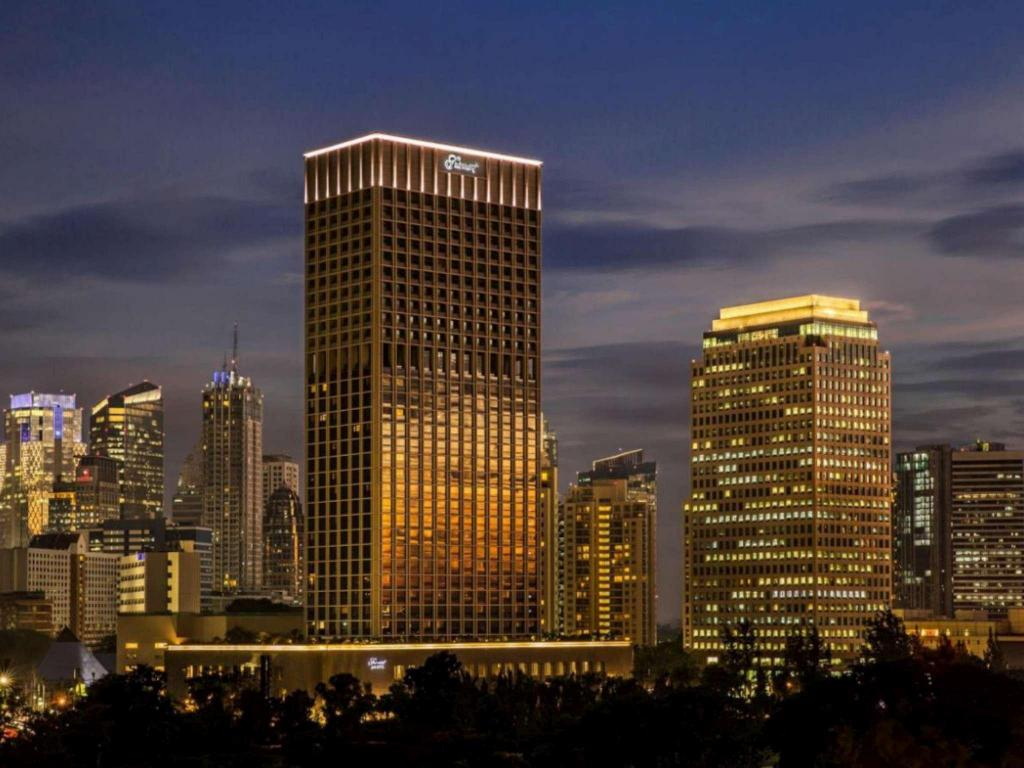More about Fairmont Jakarta Hotel