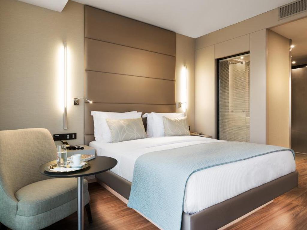 Guest room, 1 King or 2 Twin/Single Bed(s) - Llit AC Hotel Istanbul Macka