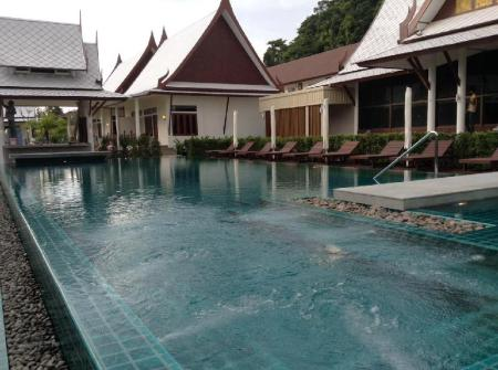 utomhuspool Bhu Tarn Koh Chang Resort and Spa