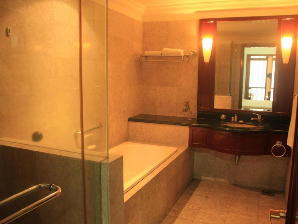 Bathroom Holidays Service Suite at Times Square