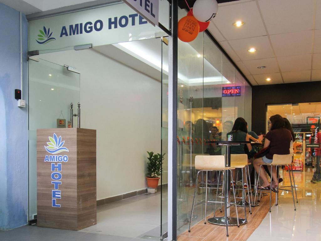 More about Amigo Hotel