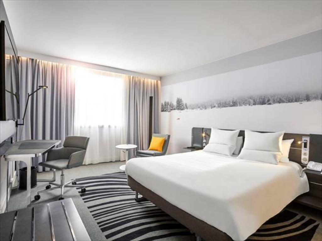novotel paris gare montparnasse in france room deals photos reviews. Black Bedroom Furniture Sets. Home Design Ideas