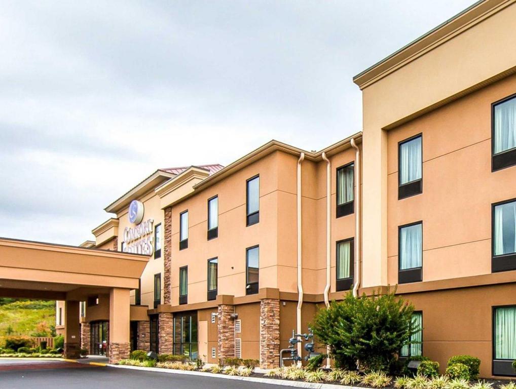 More About Comfort Suites Knoxville West Farragut