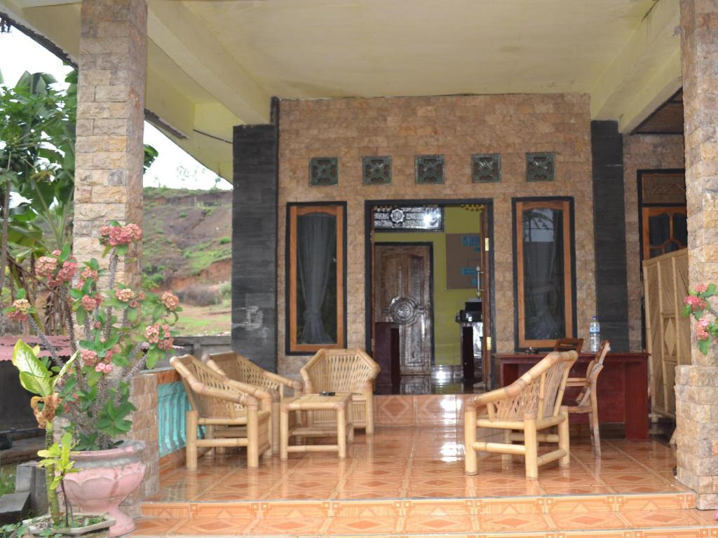 Lobby Yamar Homestay and Restaurant