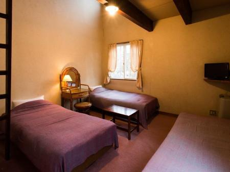Twin Room with Shared Bathroom Pension Rantanrirun