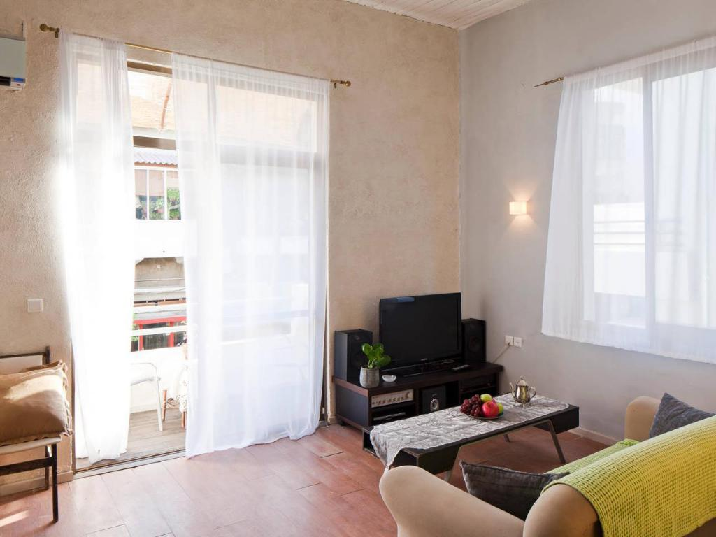 Интерьер TLV Flats - Best Location Balcony Apartment