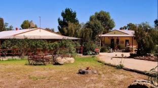 Black Range Holiday Village Stawell Park Caravan Park