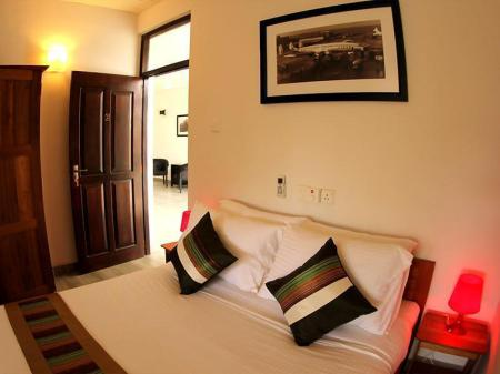 Double Bed - Bedroom The Villa in Lavinia