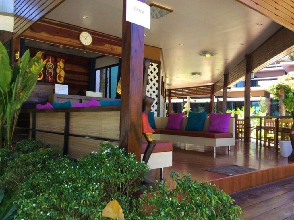 Empfangshalle Kathalee Beach Resort and Spa
