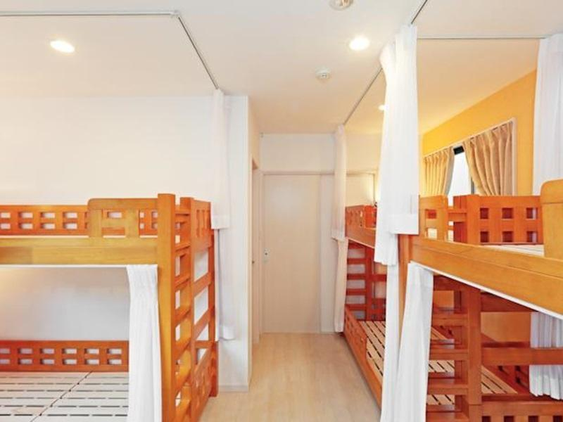 女生宿舍 (Dormitory -- Female Only)