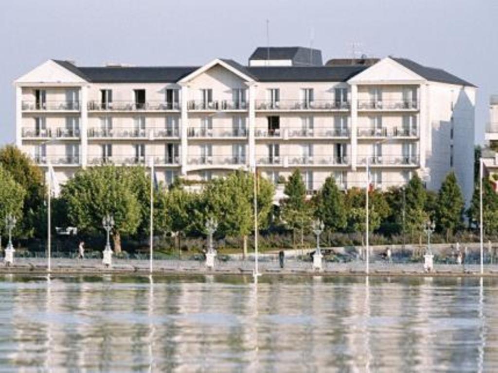 hotel barriere l 39 hotel du lac enghien les bains offres. Black Bedroom Furniture Sets. Home Design Ideas
