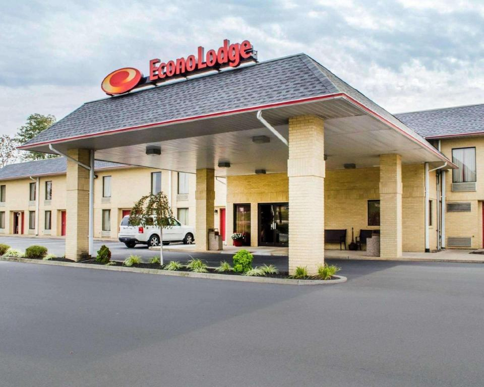 More about Econo Lodge Hotel Mifflintown