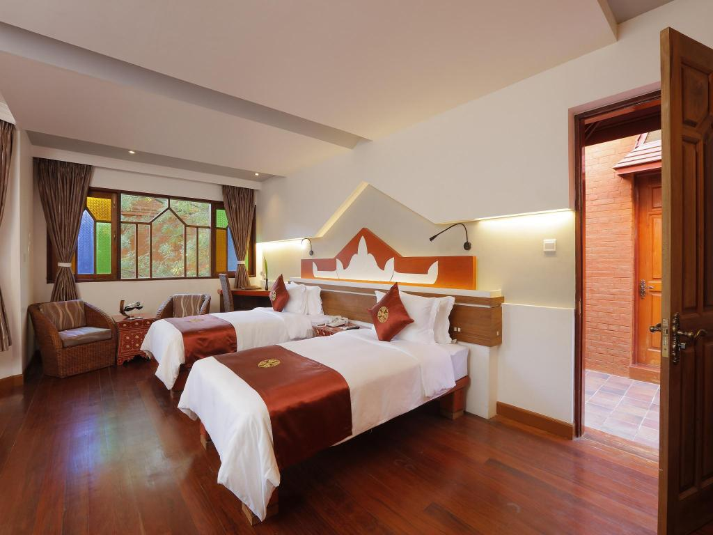 Deluxe Double or Twin - Bed Ananta Bagan Hotel