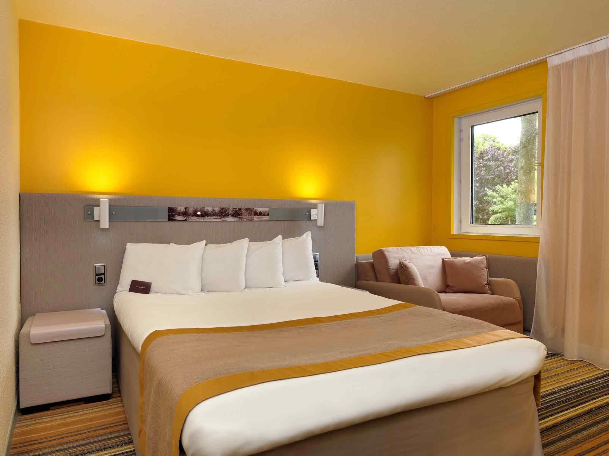 Hotel Mercure Paris Sud Parc Du Coudray Best Price On Hotel Mercure Paris Sud Parc Du Coudray In Le
