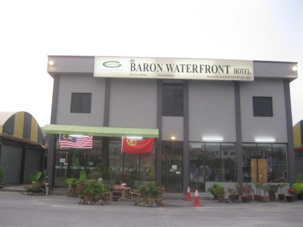 Baron Waterfront Hotel