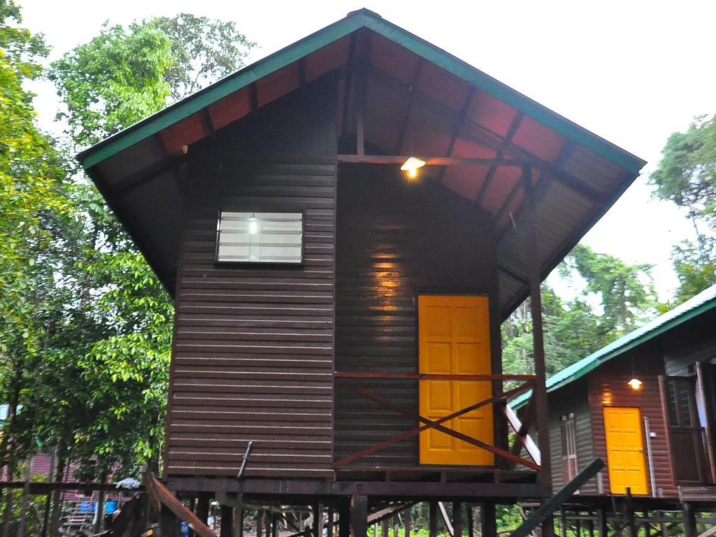 Exterior view Kinabatangan Sunshine Lodge