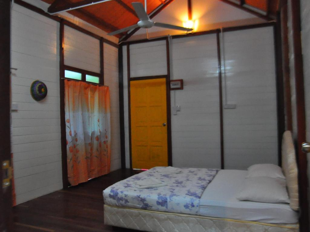 Private Chalet Kinabatangan Sunshine Lodge