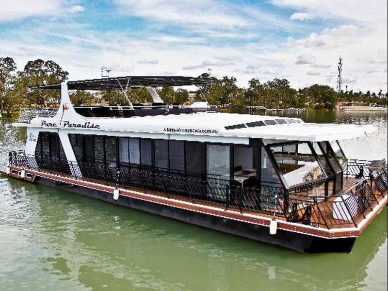 Five-Bedroom Houseboat - Pure Paradise