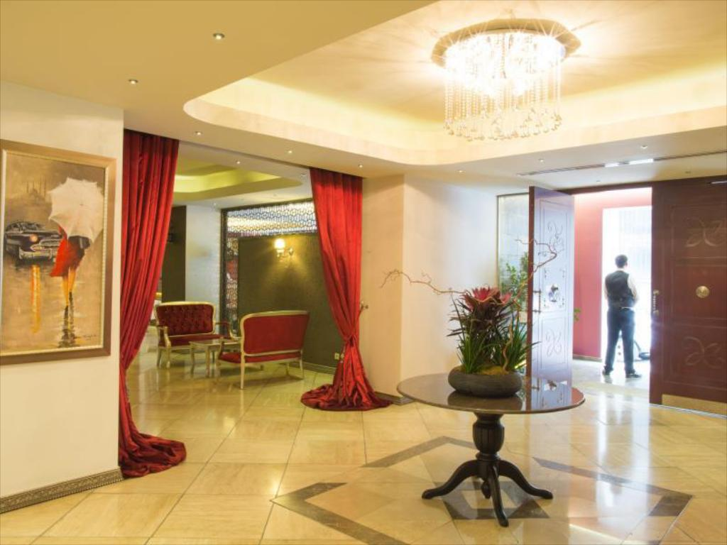 Lobby Mood Design Suites