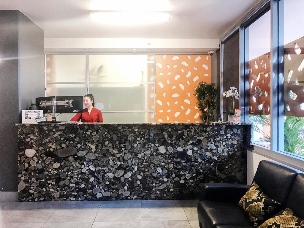 ramada suites zen quarter in darwin room deals photos. Black Bedroom Furniture Sets. Home Design Ideas