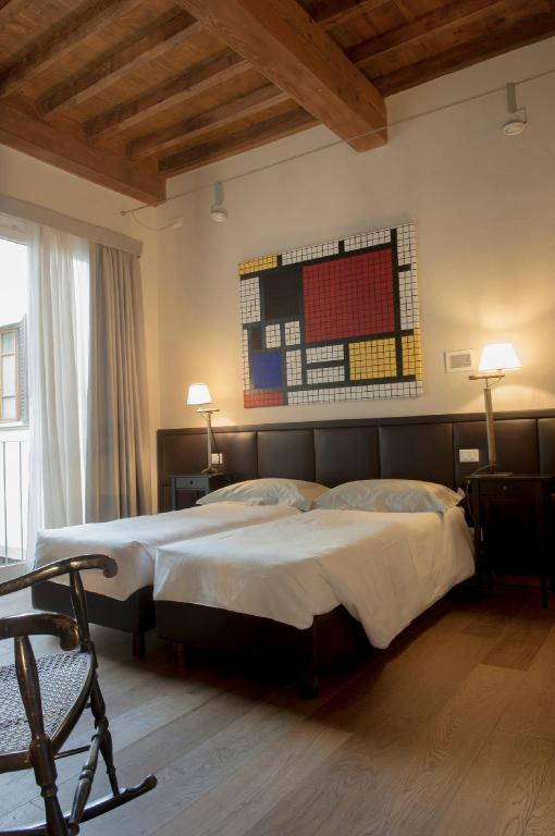 Studio - Seng Florence Art Apartments