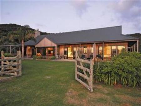 Udvendig Pawhaoa Bay Lodge
