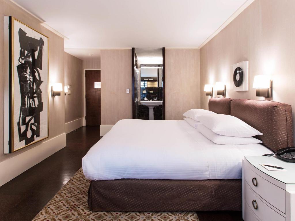 Literie De Luxe Suisse city club hotel, times square, (new york, États-unis