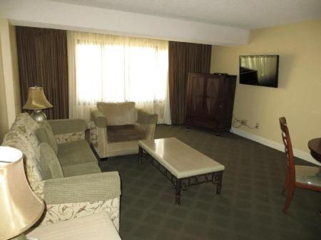 Two-Bedroom Suite Jockey Club Suites
