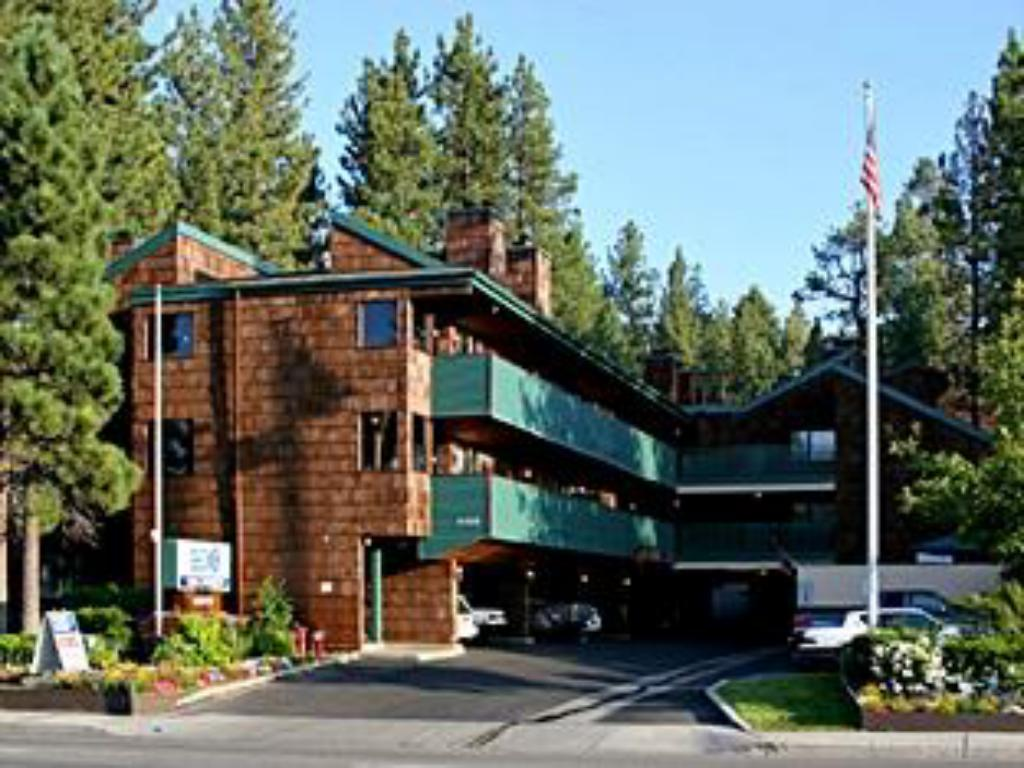 Exterior view Snow Lake Lodge