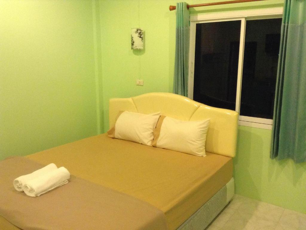 Standard Double Bed Room Aekkorn House