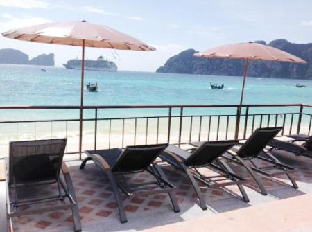 Beach Phi Phi Long Beach Resort and Villa