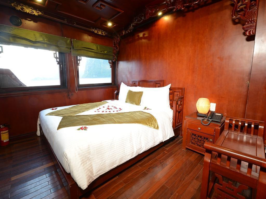 Deluxe Double or Twin Royal Palace Cruise