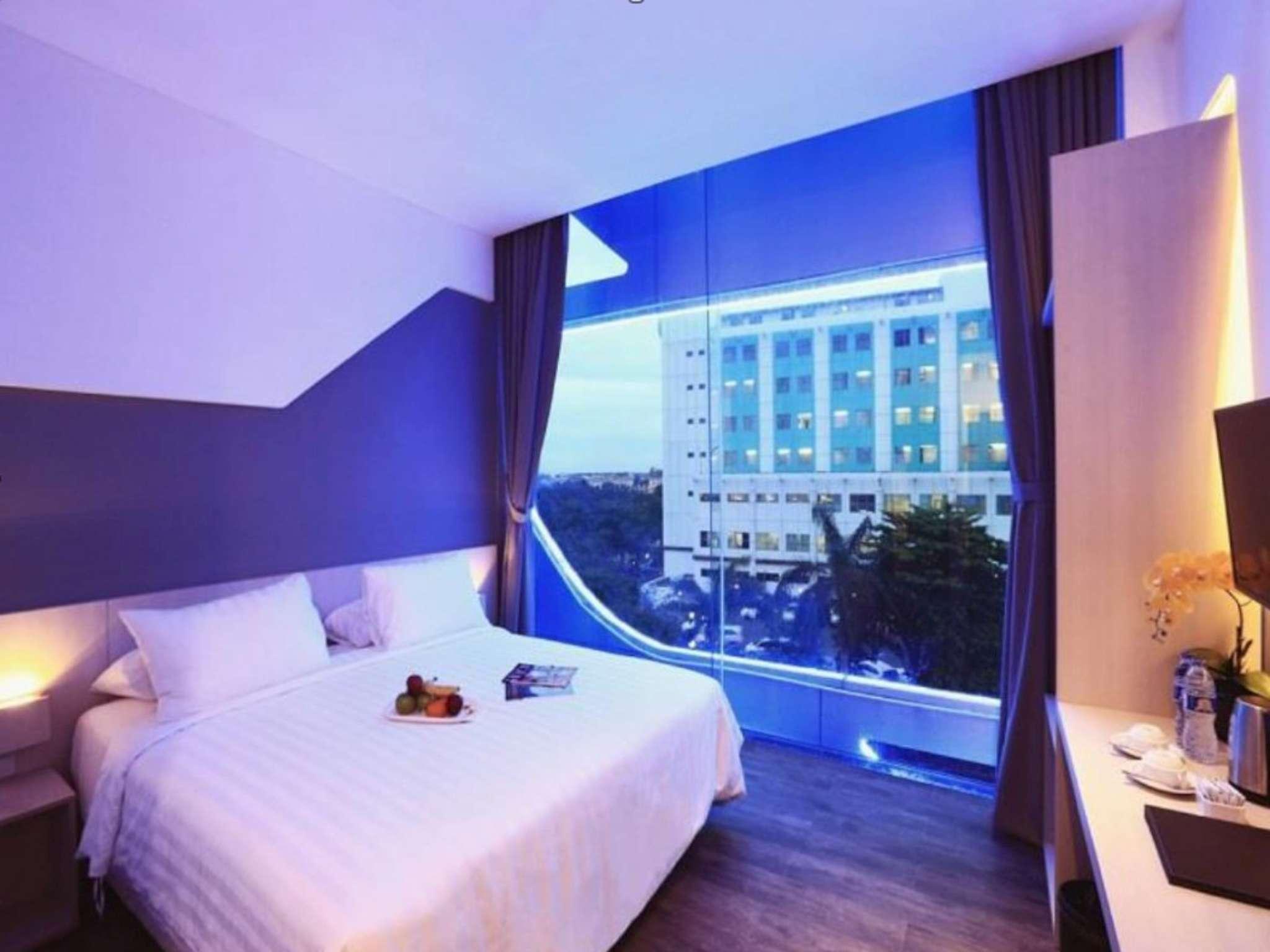 ozone hotel pantai indah kapuk room deals reviews photos rh agoda com
